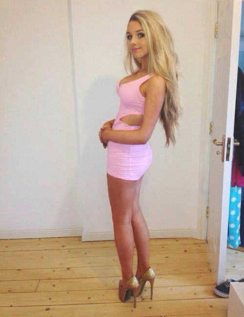 20 Girls That Make Us Jealous Of Their Outfit tight dress girls 110