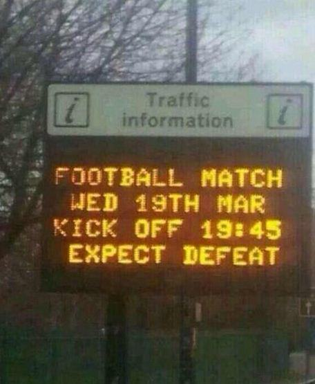 manunited Man Utd Trolled By Road Sign Ahead Of Olympiakos Clash