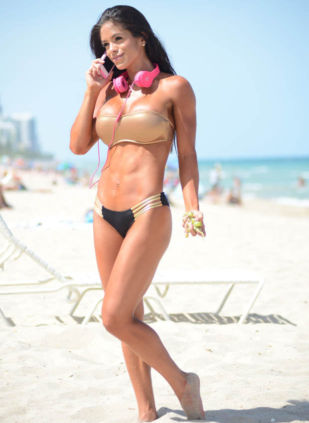 la4 Michelle Lewin Might Just Have The Best Body Of 2014