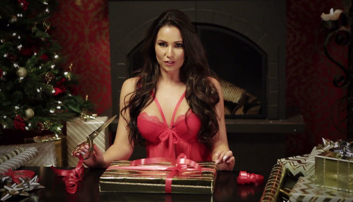 playboy web thumb Playboy Model Candace Leilani Teaches You How To Gift Wrap