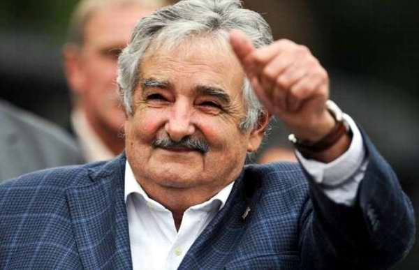 josemujica presidente uruguay The President Of Uruguay Picks Up A Hitchhiker And It Doesnt Surprise Us