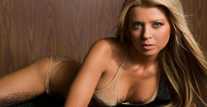 tara reid fb thumb Porn Company Offer Tara Reid $1 Million To Star In Porno
