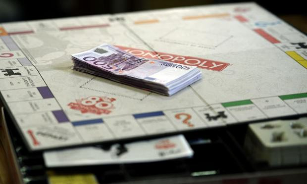 1000 Monopoly Use Real Money In Random Sets For 80th Anniversary