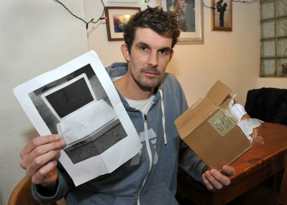 guy Man Orders Laptop On eBay, Gets Photocopy Of It Instead