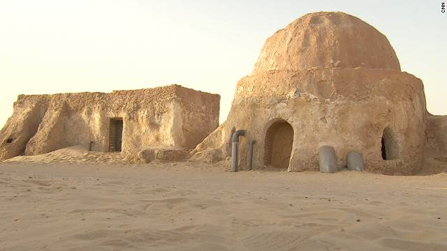 Iconic Star Wars Town Tatooine Is Now Occupied By ISIS 131017155144 star wars sahara 7 horizontal gallery