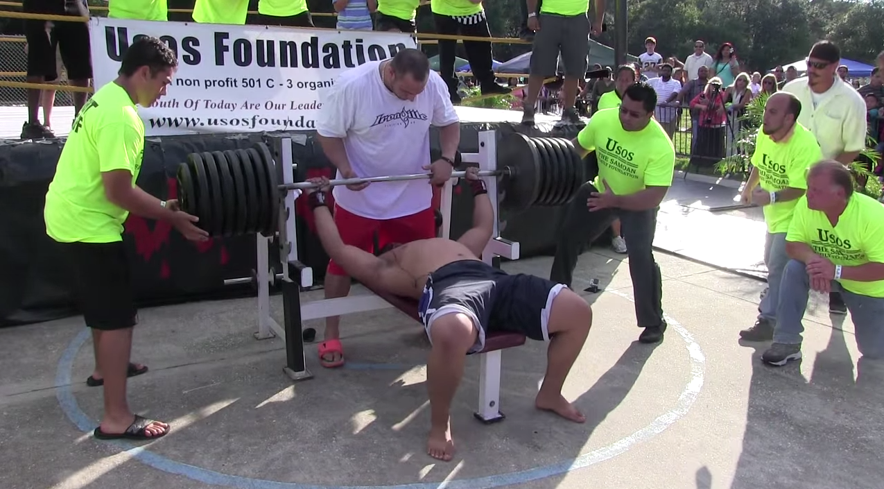 Screen Shot 2015 03 09 at 14.29.23 Man Attempts 725 Pound World Record Bench Press, It Goes Unsurprisingly