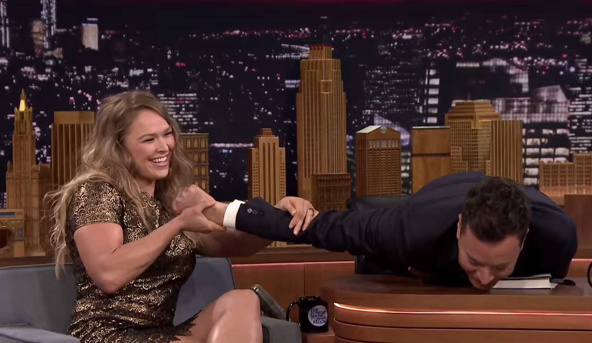 Screen Shot 2015 03 26 at 09.24.46 Ronda Rousey Demonstrates Her Infamous Armbar On Jimmy Fallon