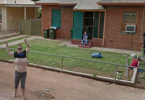 googlestreetWEBTHUMBNEW Mum Chased Down Google Streetview Then Flashed Them Her Boobs
