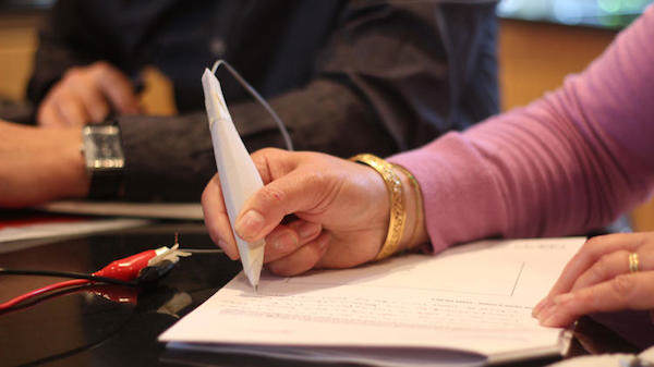 Geniuses Invent Pen That Helps Parkinsons Sufferers To Write pen4