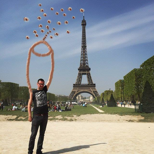 1310 This Guy Posing Next To The Eiffel Tower Is The Latest Internet Craze