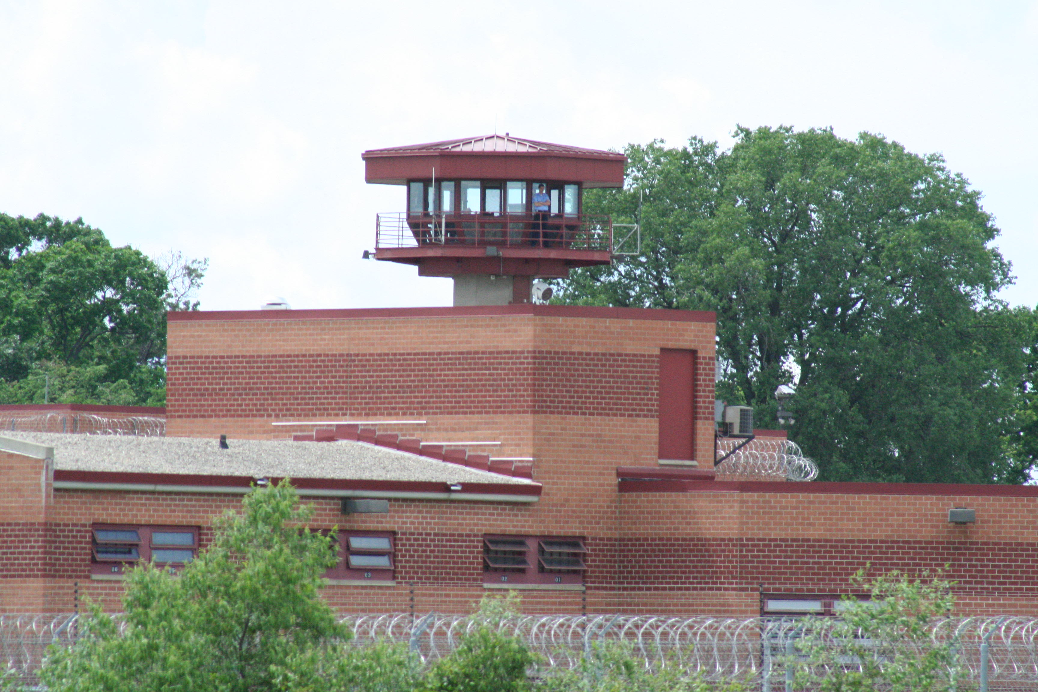 Prisoner Who Killed Jeffrey Dahmer Explains Why He Did It Columbia Correctional Institution Wisconsin with guard tower