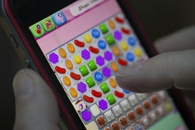 cc Man Plays Candy Crush For So Long He Ruptures A Tendon