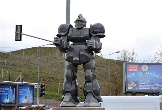 n 80743 1 Mayor Sued After Blowing Budget On Giant Robot Statue