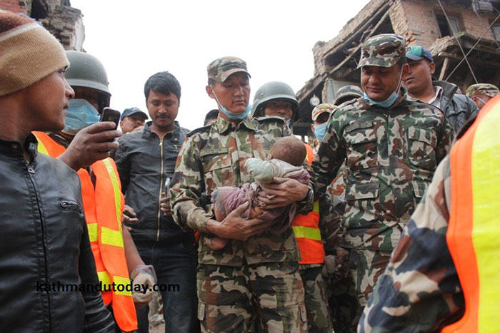 nepalbaby7 4 Month Old Baby Found Alive In Nepal Earthquake Rubble