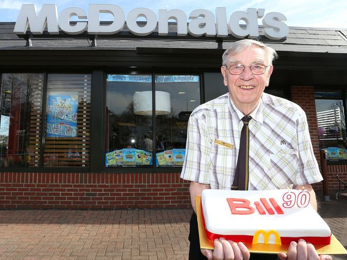 old1 At 90 Years Old This Guy Is McDonalds Oldest Employee