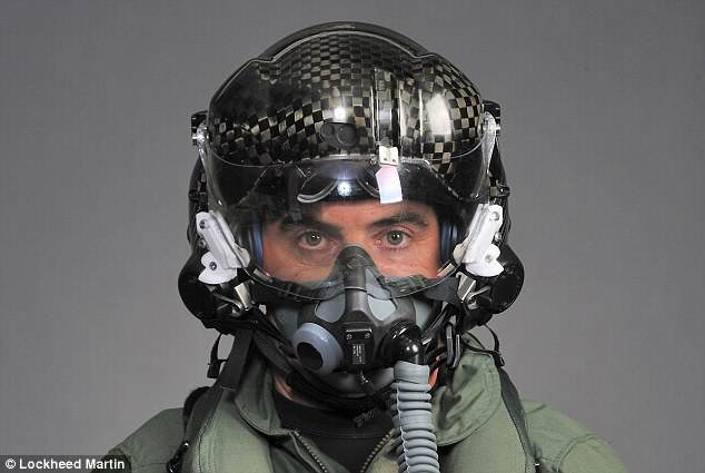 usa1 This Insane Jet Fighter Helmet Costs $400K Because Murica