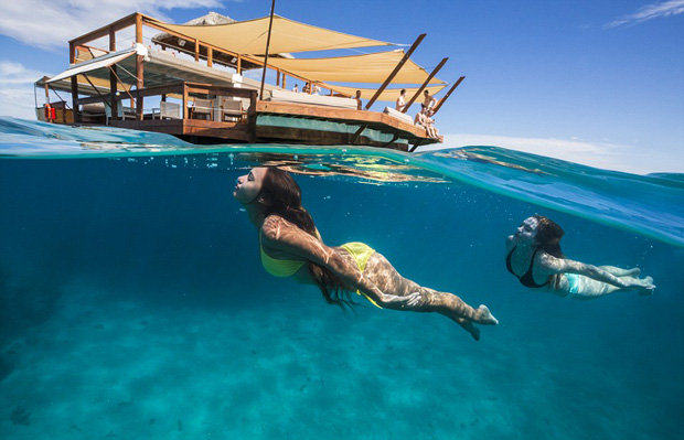 238 Fancy A Pizza Paradise? Check Out This Floating Restaurant In Fiji