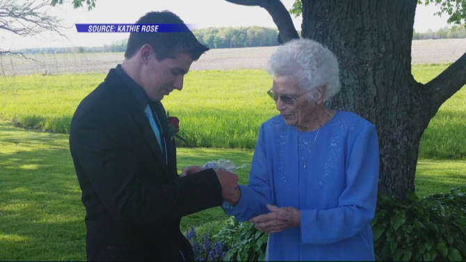 931 Indiana Teenager Takes His 93 Year Old Great Granny To Prom