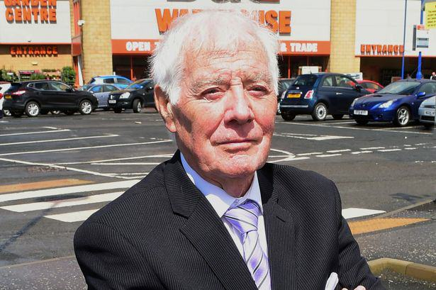 ivor smith 1 War Veteran, 82, Sacked By B&Q For Leaving Till Open For 3 Minutes