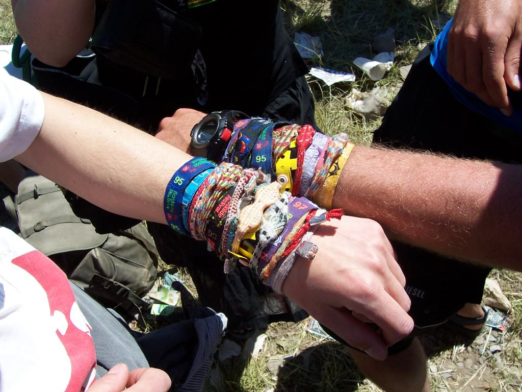 Here Is Why You Shouldnt Keep Wearing Your Festival Wristbands 1138