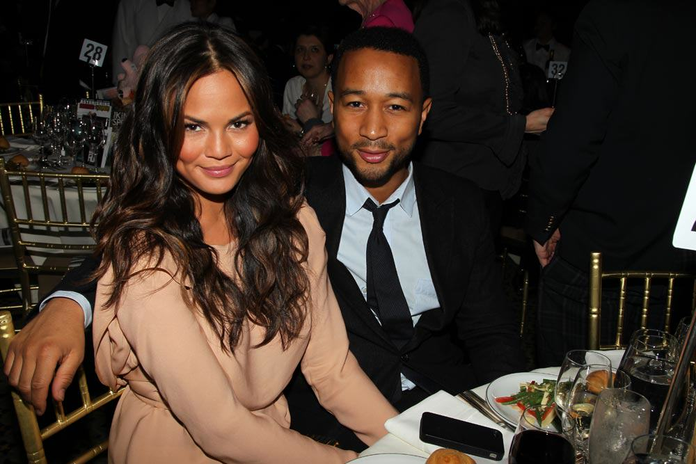 Chrissy Teigen Pushes Limits Of Instagrams Nudity Policies 116 Christine Teigen John Legend