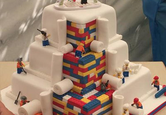 lego cake web This Lego Themed Wedding Cake Is Absolutely Epic