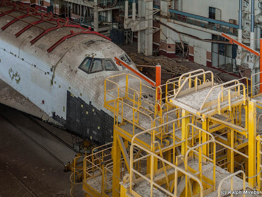 new space 1 Urban Explorer Finds Lonely Remains Of The Soviet Space Shuttle Program