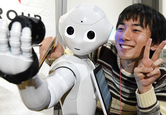 pepper robot WEB Robot Designed To Live And Interact With Humans Sells Out In 1 Minute