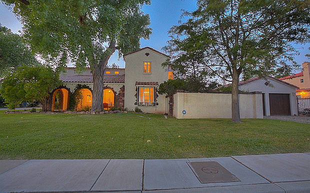 55b8fb7c8f7f3 Jesses House From Breaking Bad Is Up For Sale And Expensive