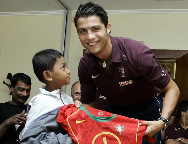 c1 This Tsunami Survivor And Portugal Superfan Has An Incredible Story
