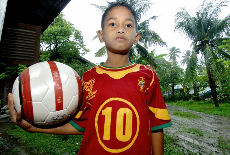 c2 This Tsunami Survivor And Portugal Superfan Has An Incredible Story