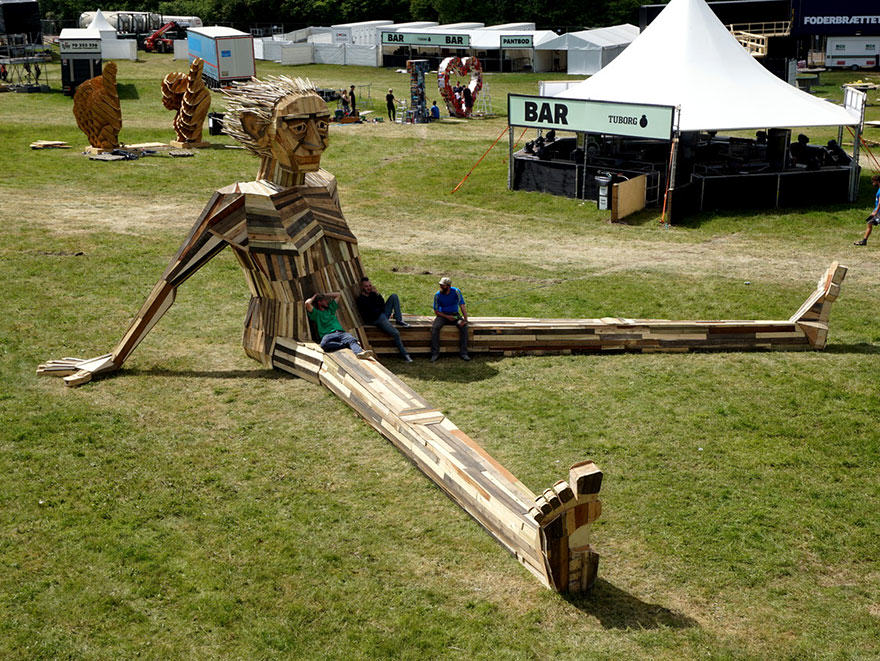 wp2 This Guys Massive Scrap Wood Sculptures Are Incredible