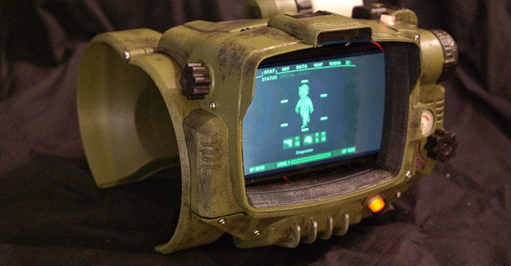 Couldnt Get A Pip Boy Collectors Edition? Now You Can Print One HhVjngTFPpipboyfacebook.jpg