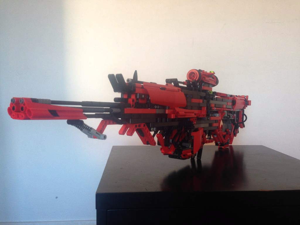 UNILAD HzZriZZ3 This Guy Created A Fully Working Gun Out Of Lego