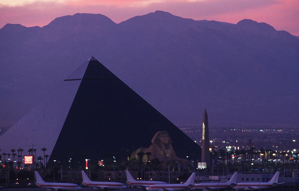 UNILAD Vegas Alamy5 Some Of The Best Airports In The World You Wouldnt Mind Being Delayed In