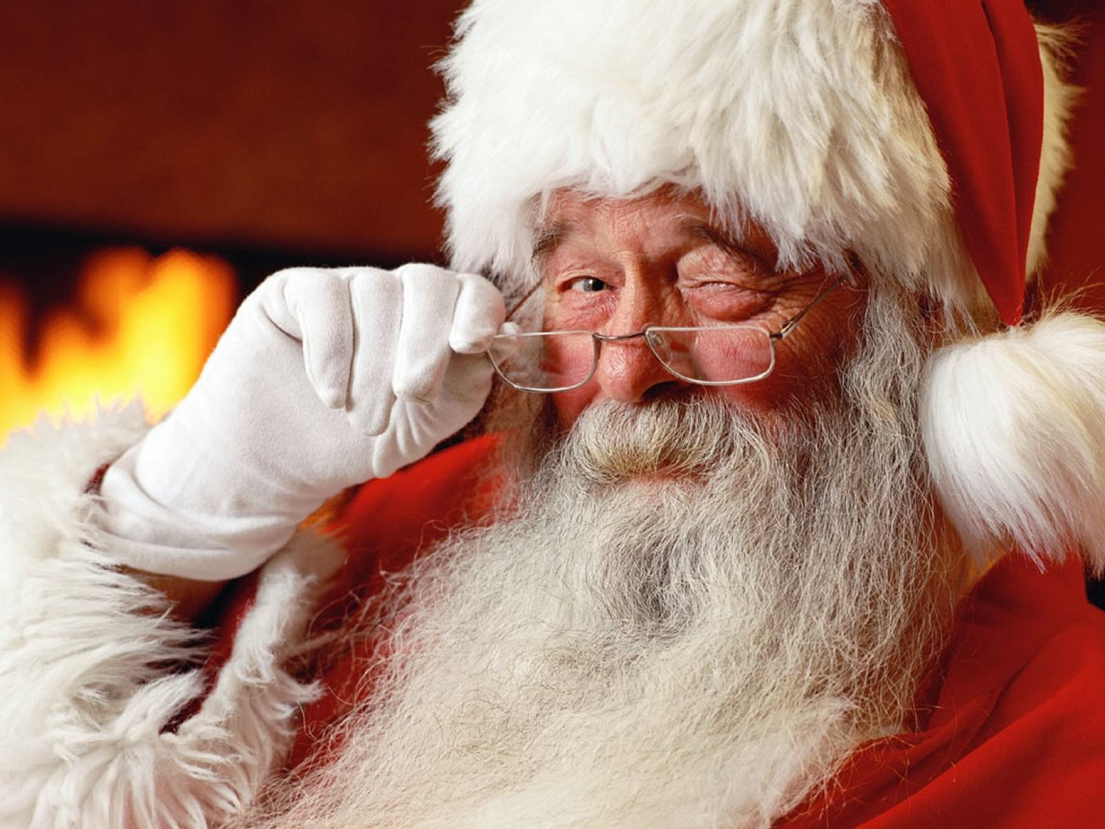 UNILAD santa claus33 Creepy Santa Charged With Child Sex Crimes