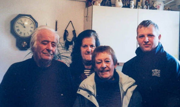 Grandfather, 88, Who Was Tormented By Thugs Jailed For Having Loaded Shotgun eShkgDPc9roy.jpg