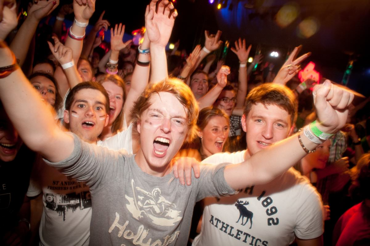 The UNILAD Guide To Surviving Freshers Week Fresh 11 1200x800