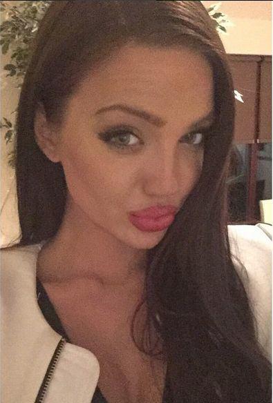 UNILAD Ag 44 Scottish Girl Who Is Double Of Angelina Jolie Goes Viral