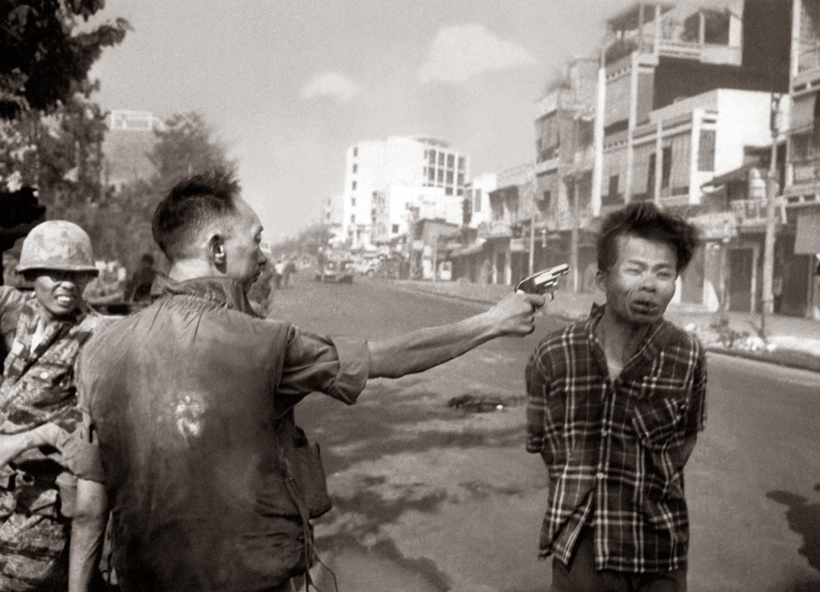 UNILAD Saigon Execution Murder of a Vietcong by Saigon Police Chief 19687 Ten Powerful Images That Shook The World
