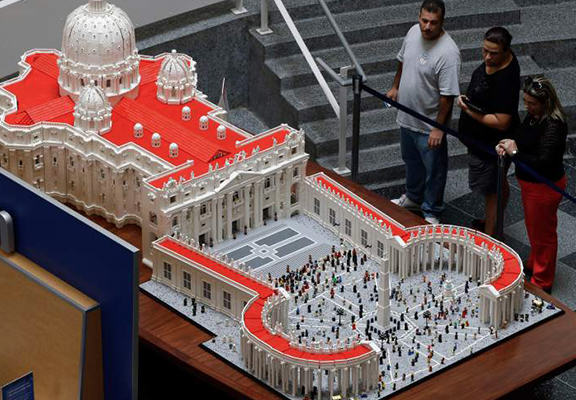 Priest Uses Over Half A Million Lego To Recreate The Vatican UNILAD lego web7