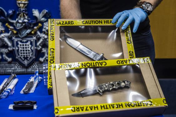 UNILAD notting hill 25 The Haul Of Weapons Seized By Police At This Years Notting Hill Carnival Is Pretty Insane