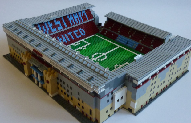UNILAD west ham6 One Man Is Trying To Replicate All 92 English Football League Stadiums From Lego