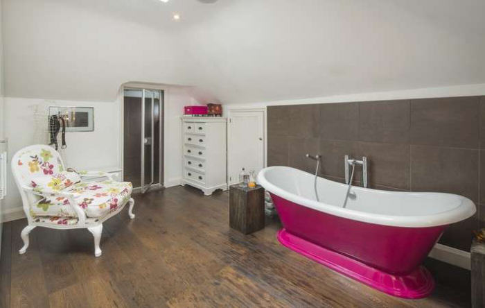 rickygervais lon92 Ricky Gervais Is Selling His London Gaff And Its NICE