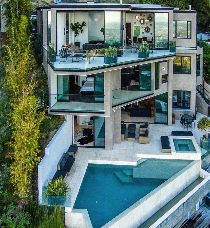 Minecraft youtuber captainsparklez buys multi million for Achete maison cash