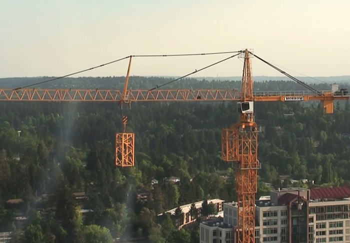 UNILAD cranethumb5366 This Giant Crane Builds Itself In Cool Timelapse Footage