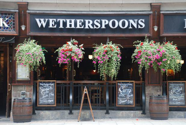 UNILAD deanmurray52081 This Woman Has Visited Almost 1,000 Wetherspoons Across The UK