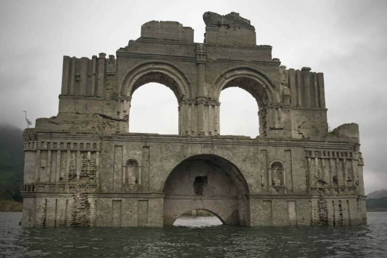 UNILAD santiago 267313 Colonial Church Emerges From Receding Waters In Mexico