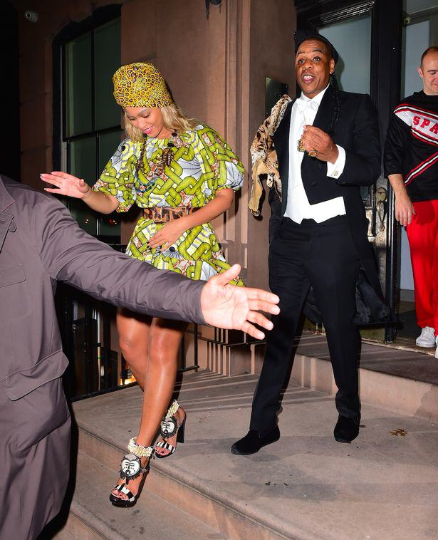 UNILAD Beyonce and Jay Z dressed up as Prince Akeem of Zamunda and his Queen Lisa Mcdowell79714 Heres The Best Halloween Outfits, Guaranteed To Make You Feel Better This Morning