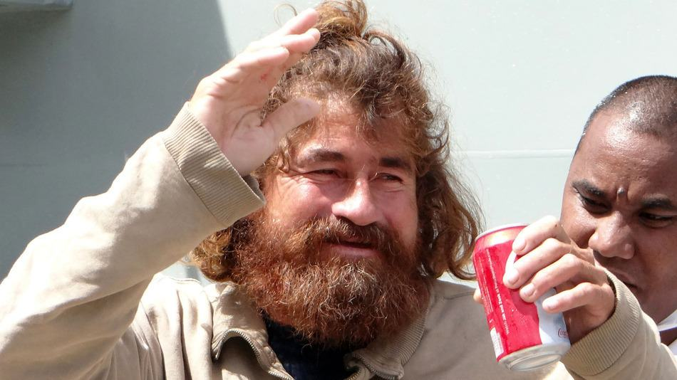UNILAD Jose Salvador Alvarenga71074 Castaway Lost For 14 Months Reveals Harrowing Survival Ordeal